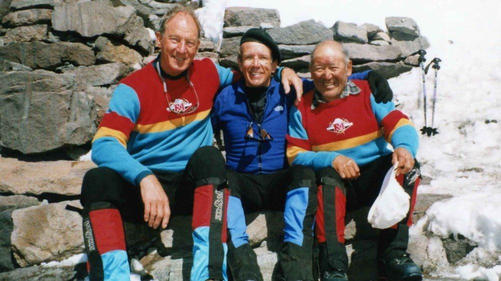 Michael Hodgson on Mount Rainier with Lou Whittaker and Nawang Gambu