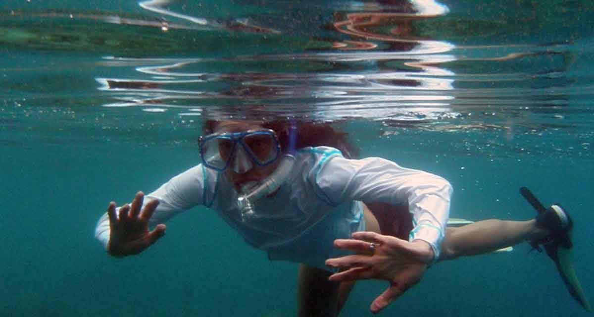 Snorkeling in Fiji along the coral reefs