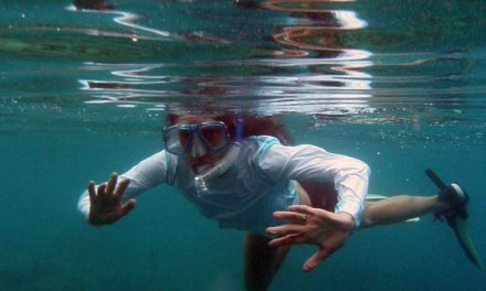 Snorkeling in Fiji along the coral reefs