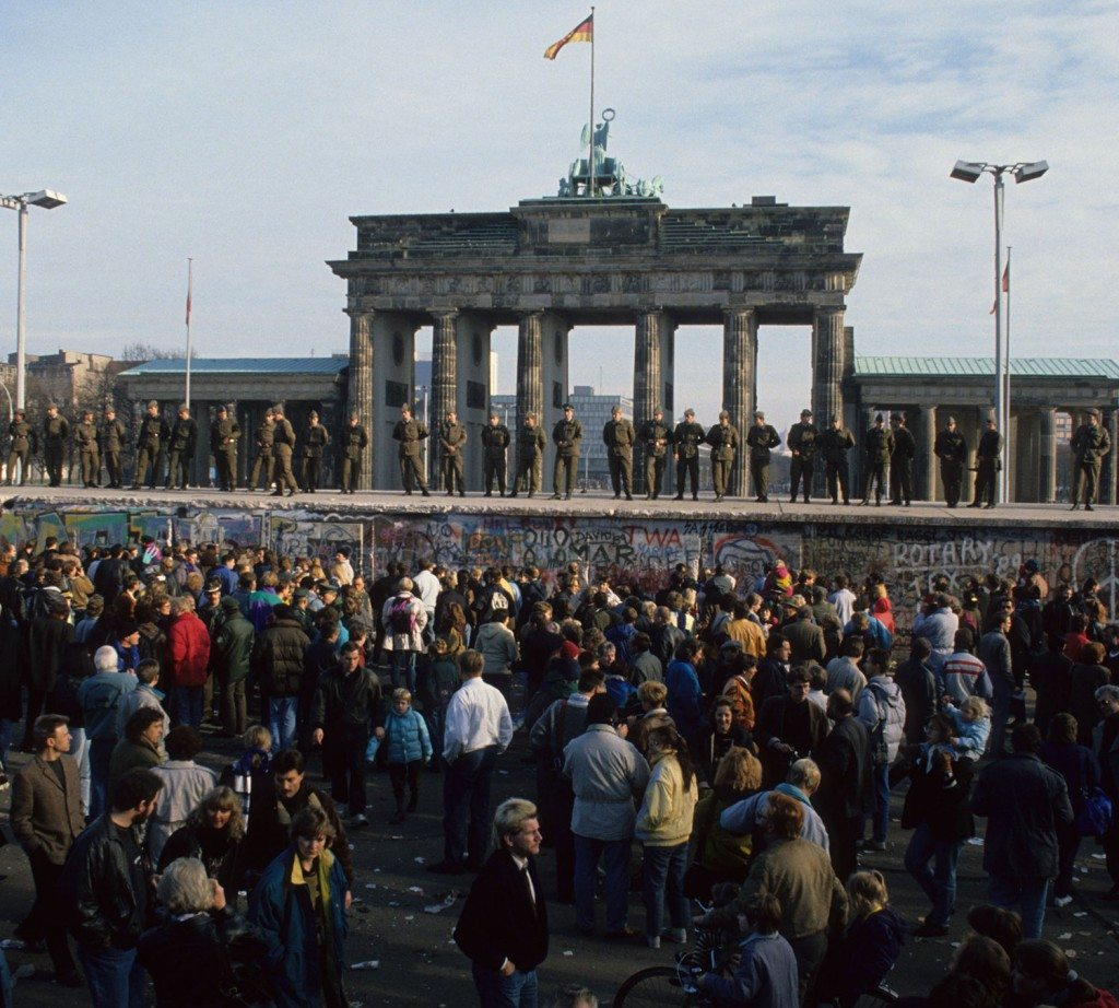 Berlin Wall 25th Anniversary historical archive photo from 1989 at the Brandenburg Gate.