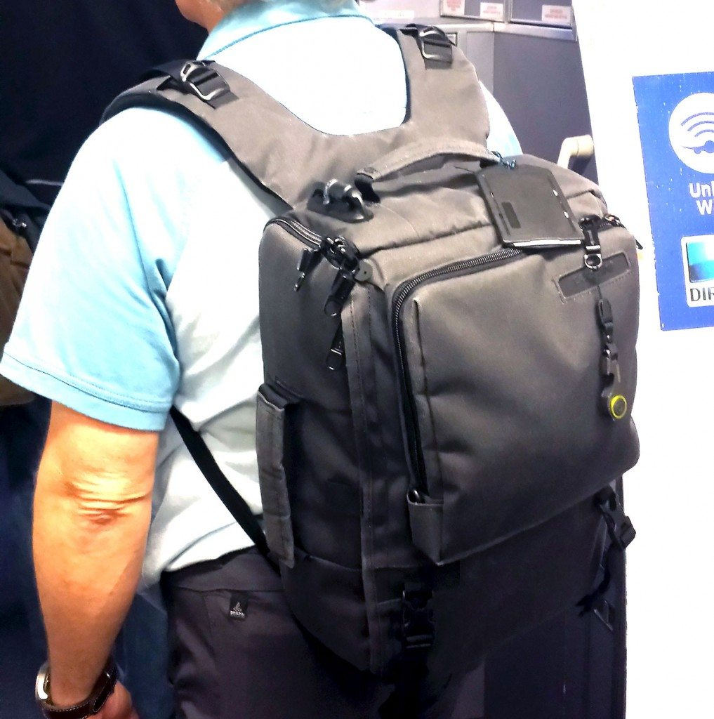 Pacsafe Camsafe Z16 Anti-theft backpack