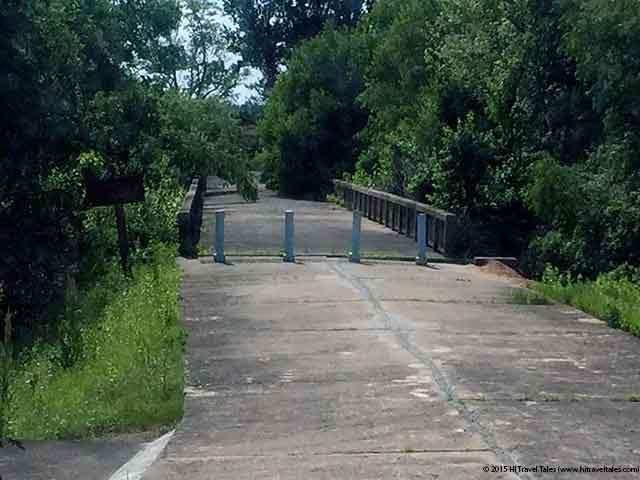 DMZ Tour bridge of no return