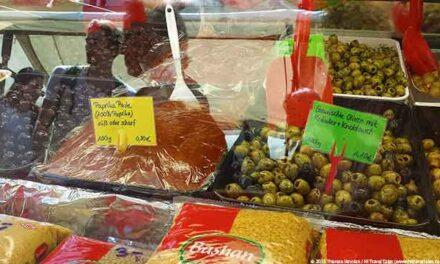 Berlin Turkish Market: flavors, food, deals in oriental bazaar setting