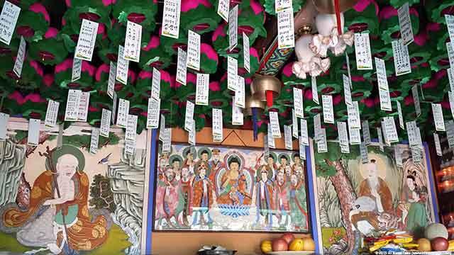 Marvel at Seoul's shamanist Guksadang shrine on Mt. Inwang-san