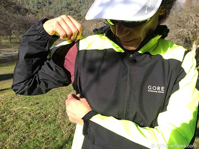 Gore Run Windstopper Travel Jacket with zipoff sleeves