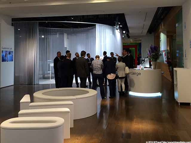 Berlin bank of the future concierge and welcome area