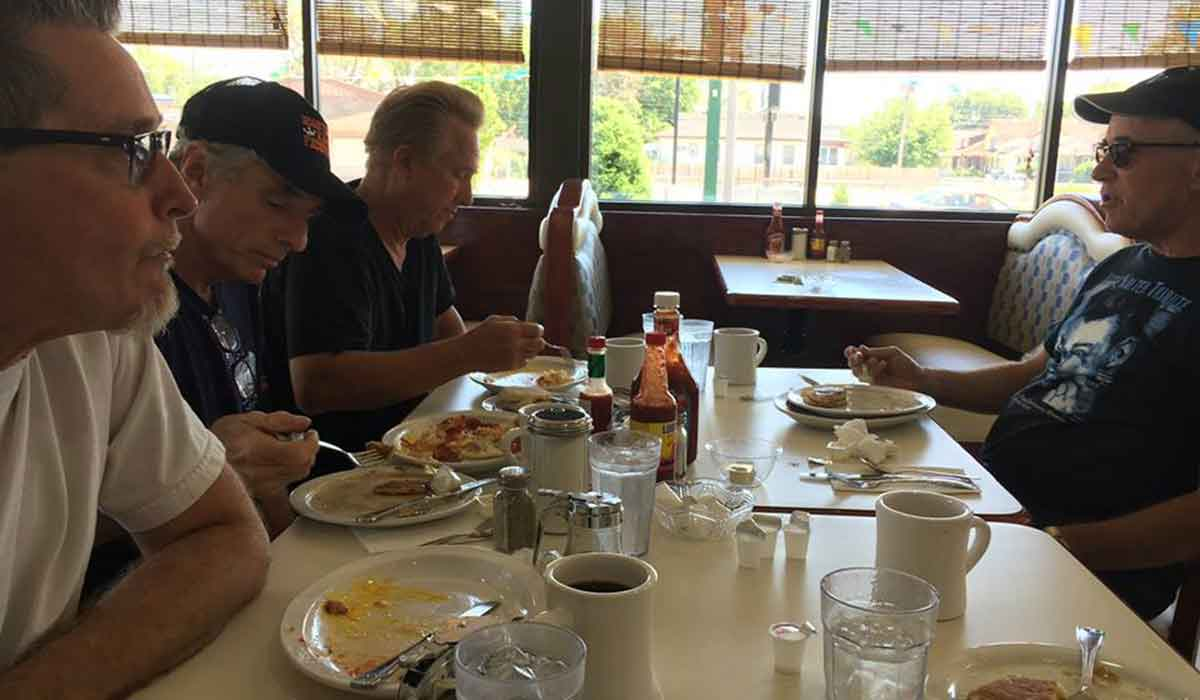 red eye to hot blues hits Zorbas for breakfast