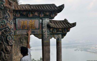 Visit Dragon Gate in Western Hills Xishan Park outside Kunming