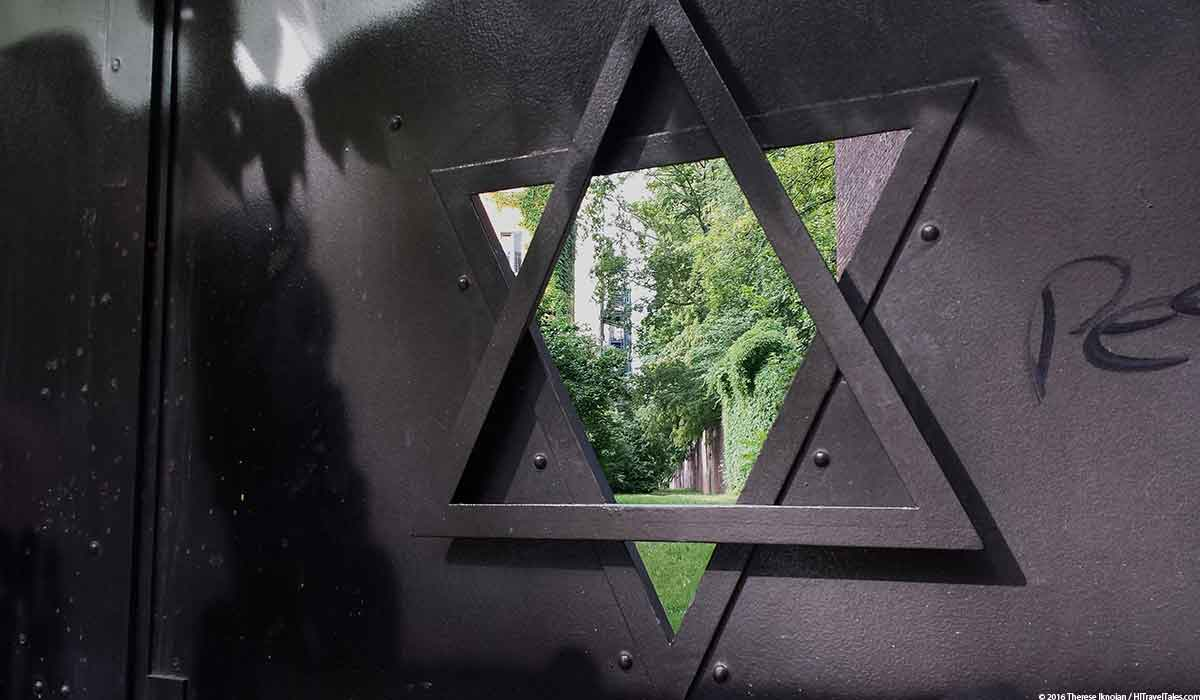 Prenzlauer Berg Travel Guide takes you past the Jewish path behind the cemetery.