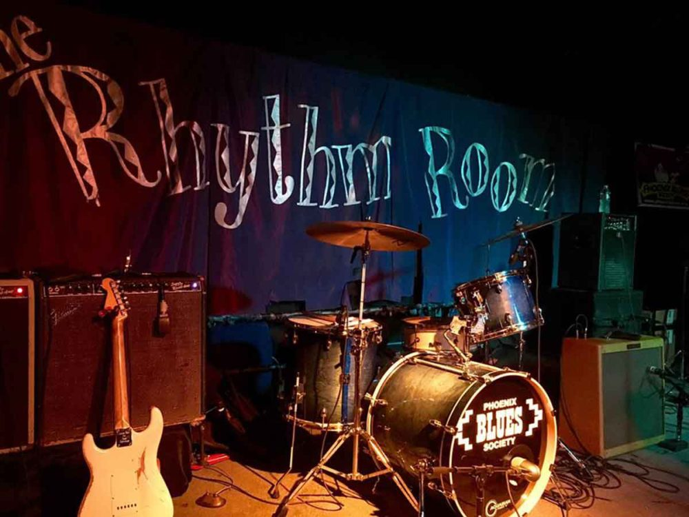 Ready to impart blues wisdom at the Rhythm Room in Arizona.