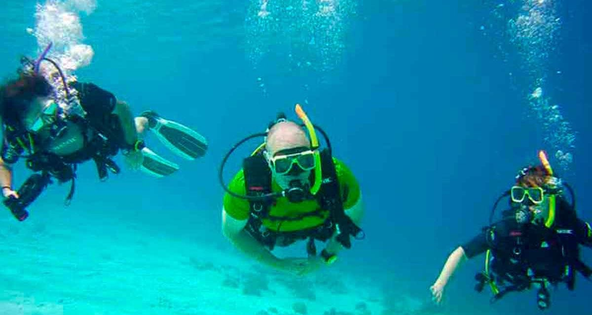 Family discovers scuba diving in Bonaire with Family Dive Adventures