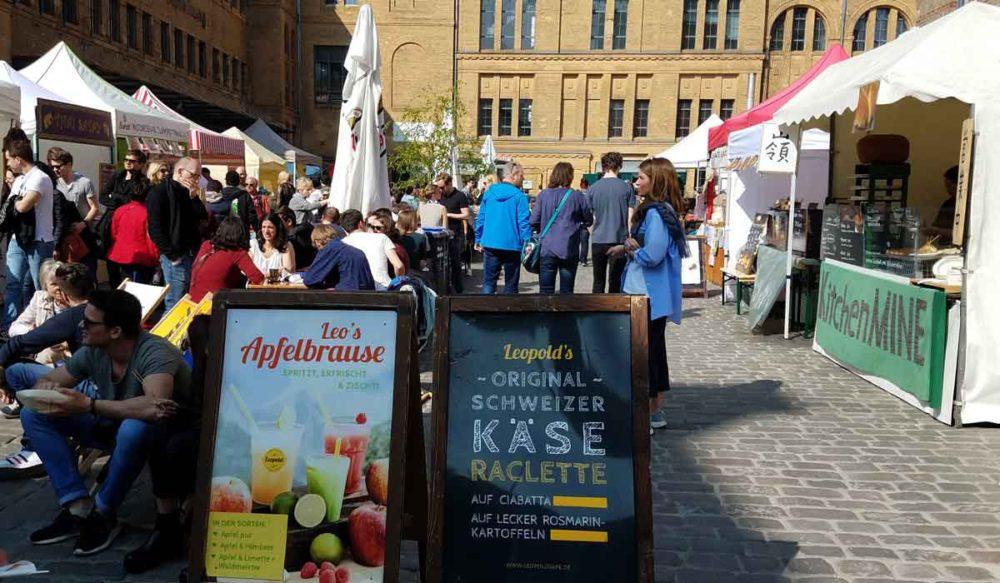 Berlin street food Kulturbrauerei food truck market scene.