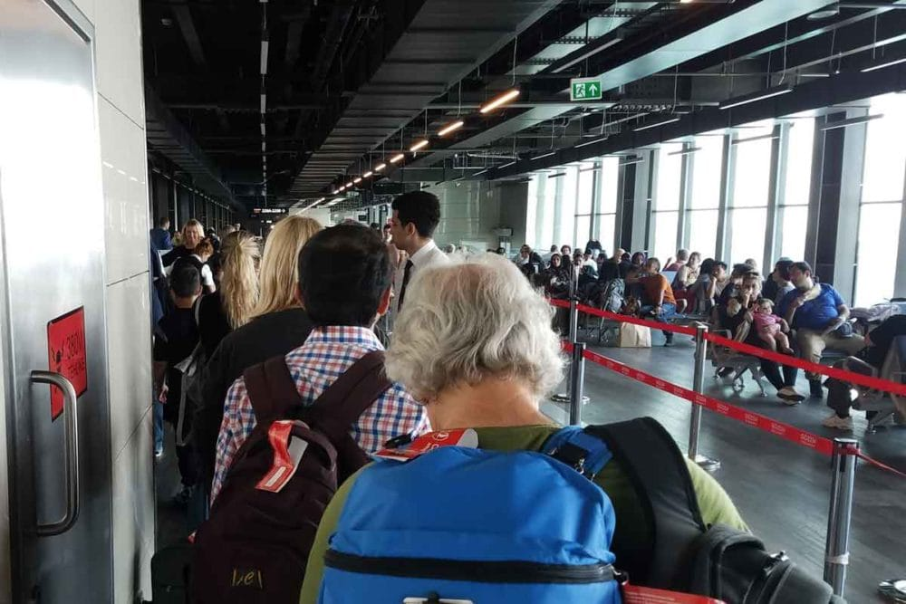 Electronic ban causing a cue at Istanbul.