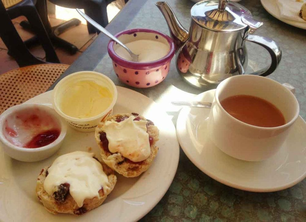 coffee culture in great britain with afternoon tea