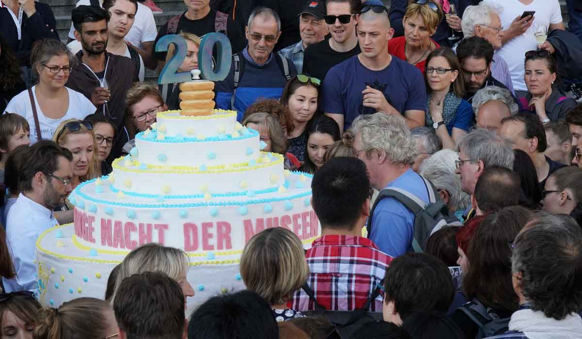 Where Can I Buy A Birthday Cake In Berlin