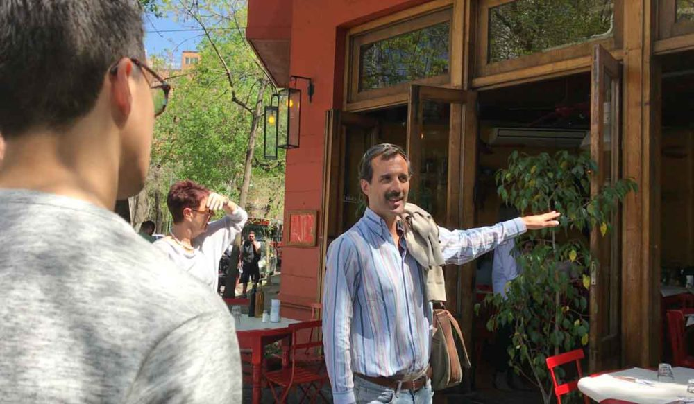 Parrilla Food Tour guide German welcomes a new restaurant.