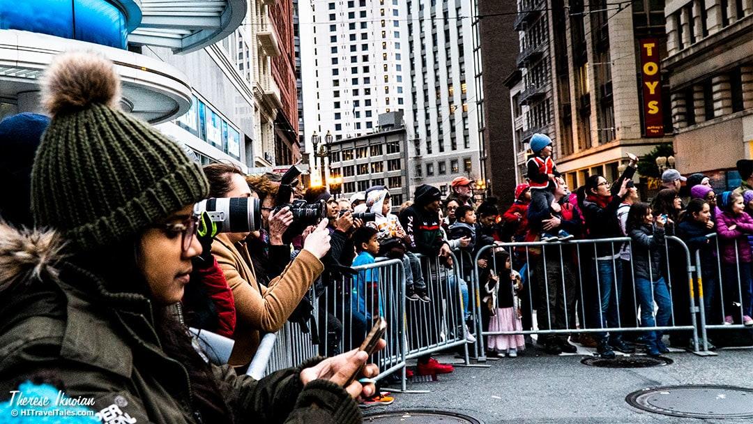 CNY Crowd With Cameras