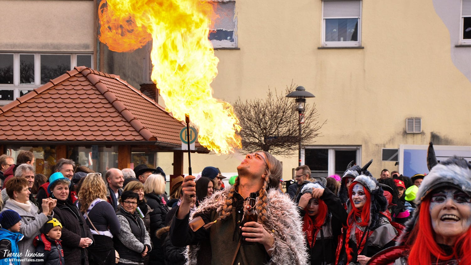 There are many clubs in the larger area that spend the entire year preparing for the season's parades and celebrations. Musicians, jugglers, clowns and other performers, including fire-breathers.