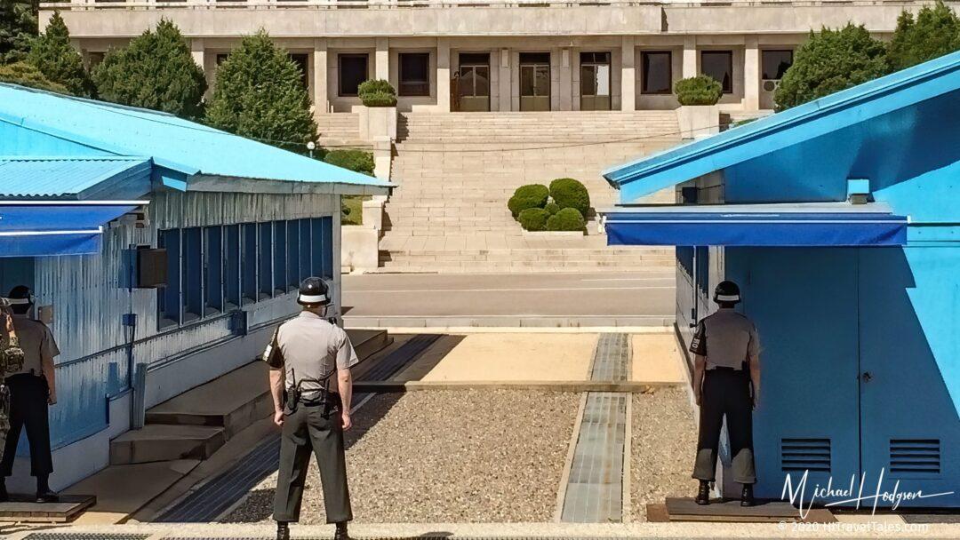 DMZ Tour Seoul South Korea Soldiers On Guard
