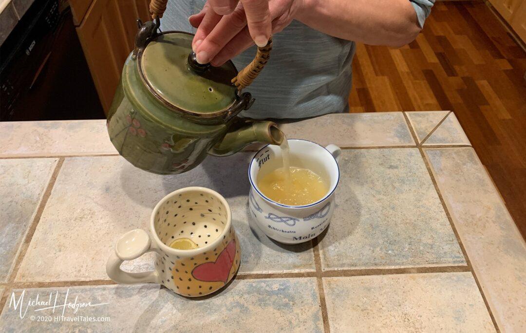 Ginger Tea Mint Lemon Pouring