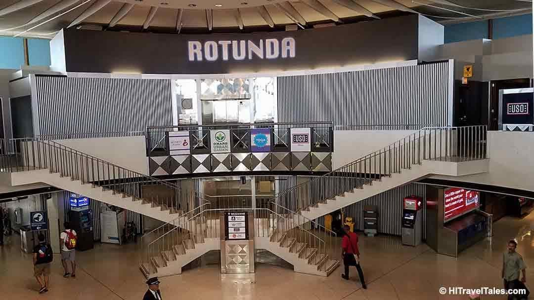 What to do at Chicago airport photo of the Rotunda