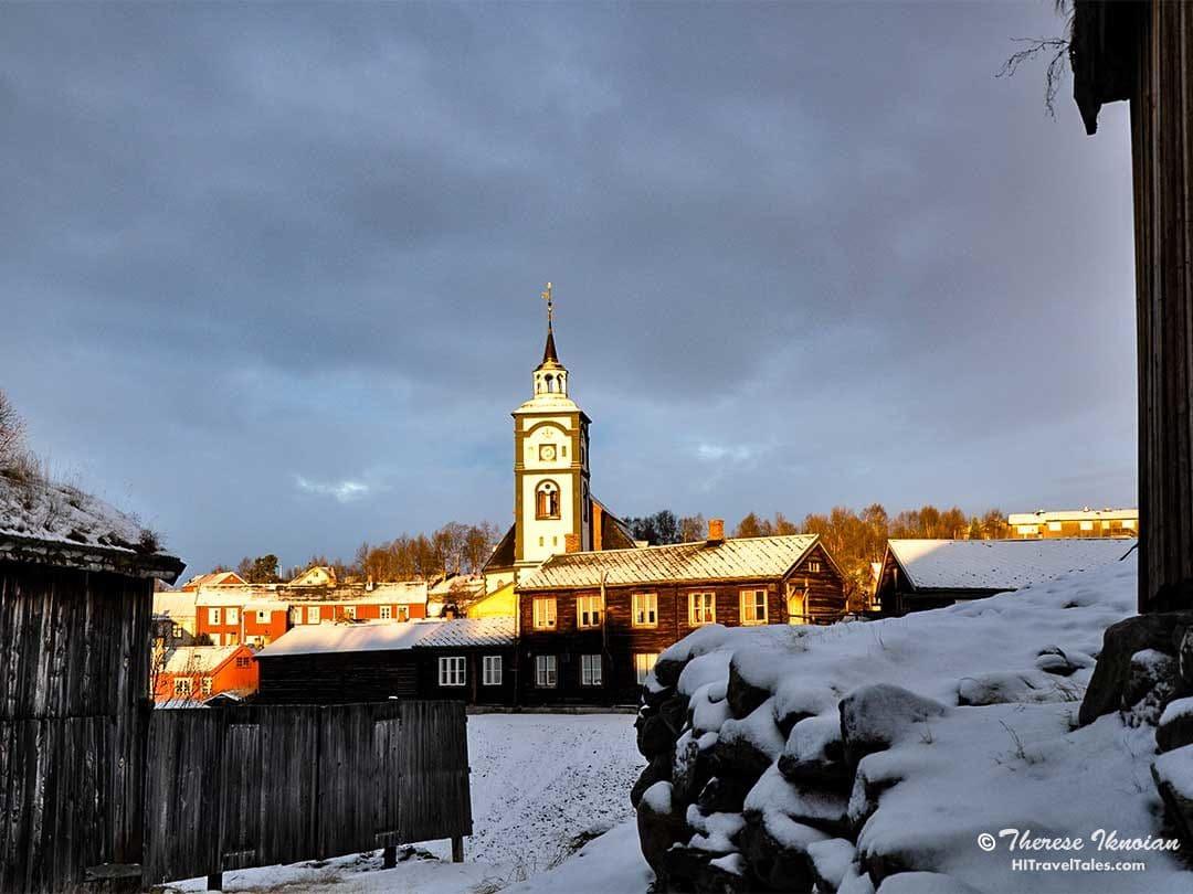 """Roros Church rises above """"Malmpassen"""" square"""