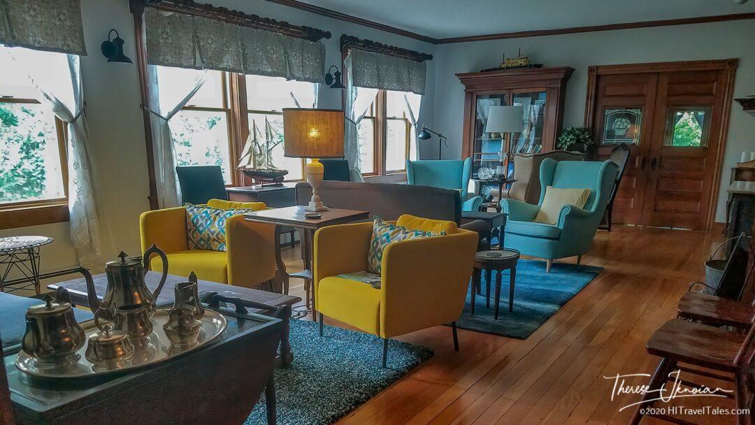 Living Room Inn Near Pemaquid Lighthouse
