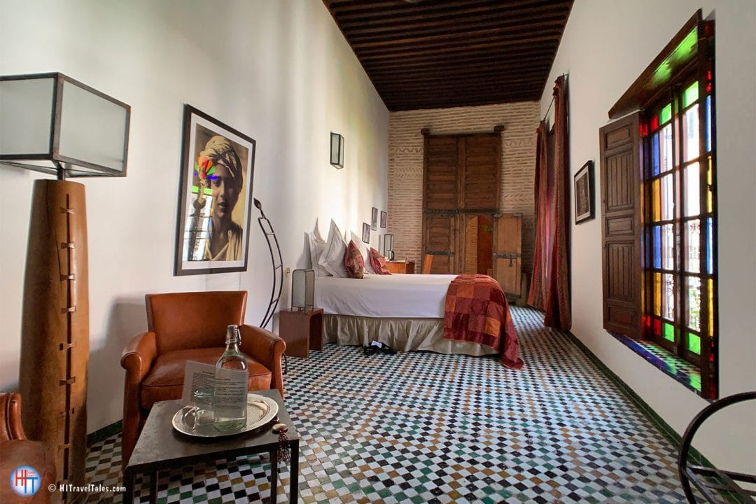 Red Room Riad Laarousa Luxury