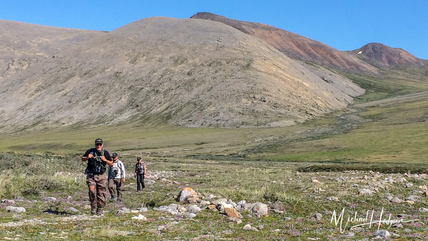 Alaska 11 Essentials To Pack On Any Hike
