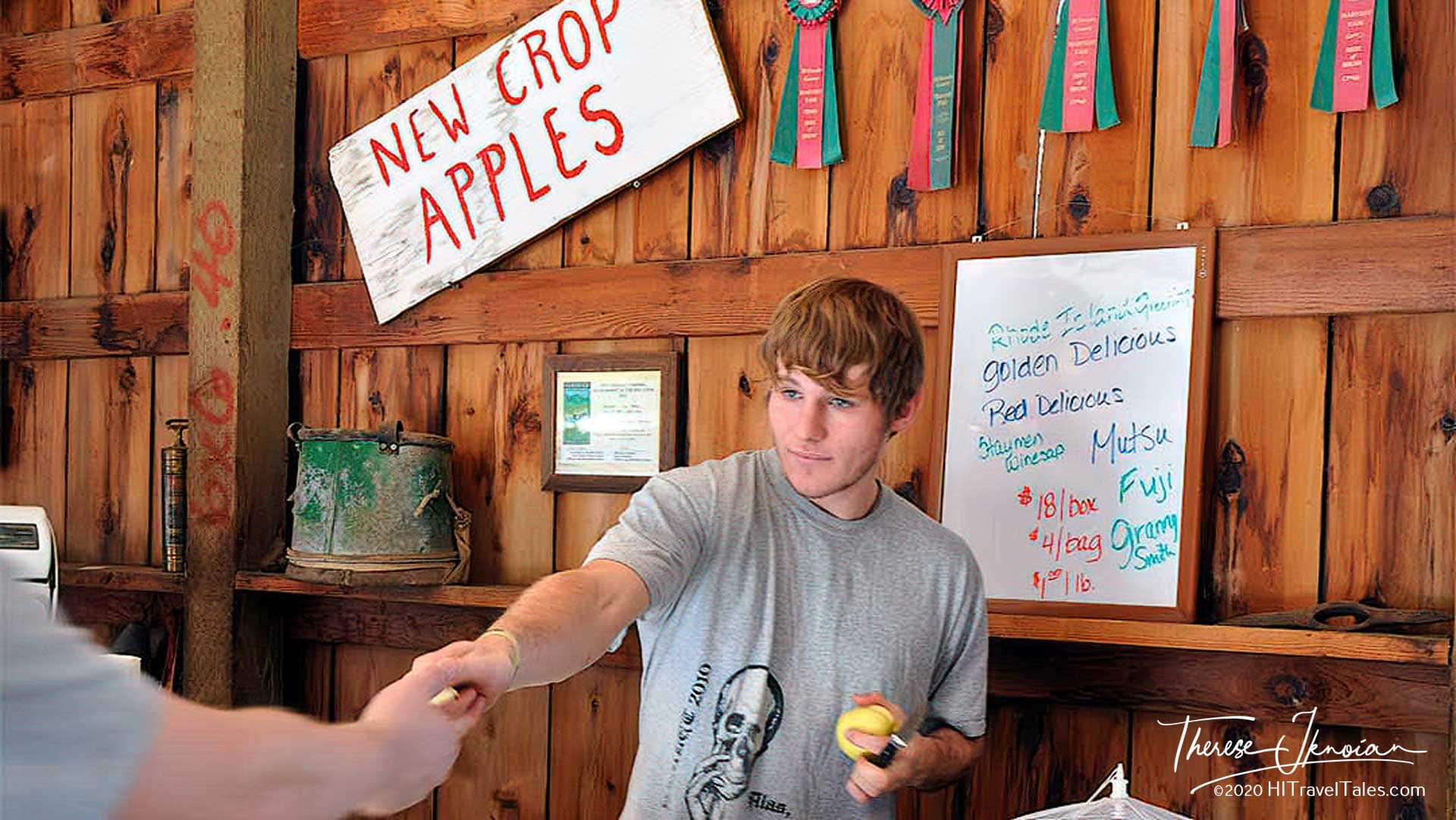 Smokey Ridge Farmstand Serving Up Apples