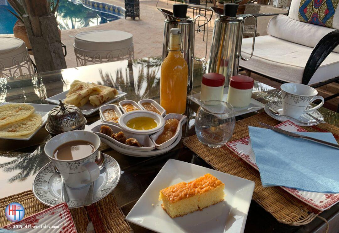 Bab El Oued Ecolodge Breakfast Poolside