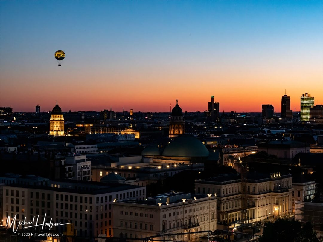 Die Welt Balloon Over Berlin At Sunset