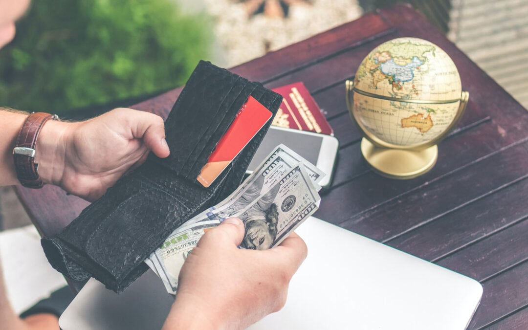 Getting and managing money when traveling