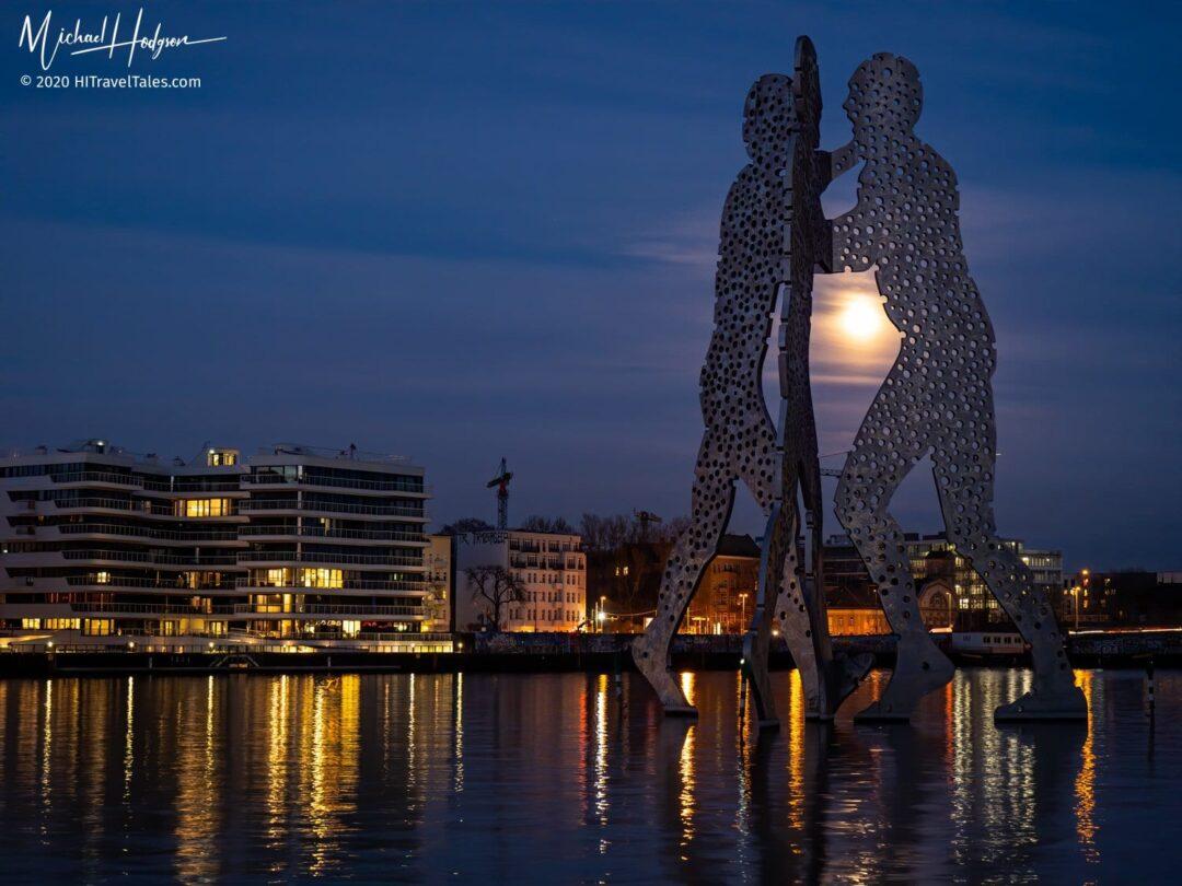 Molecule Men Spree River Worm Moon Moonlight