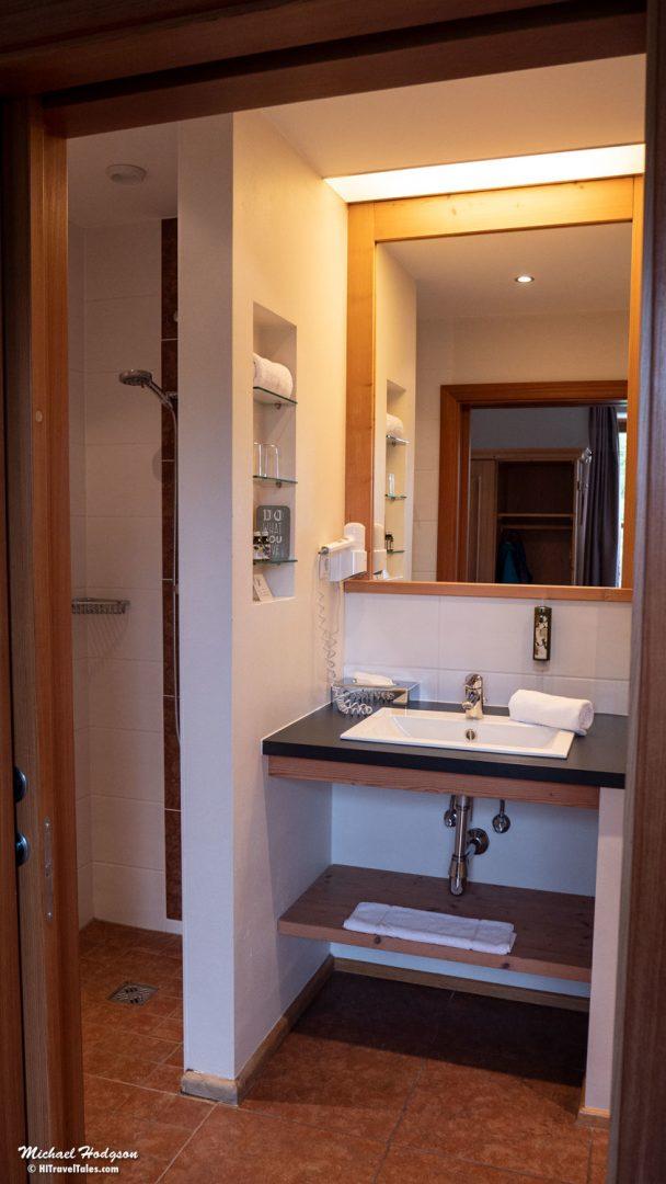Q! Resort Bathroom