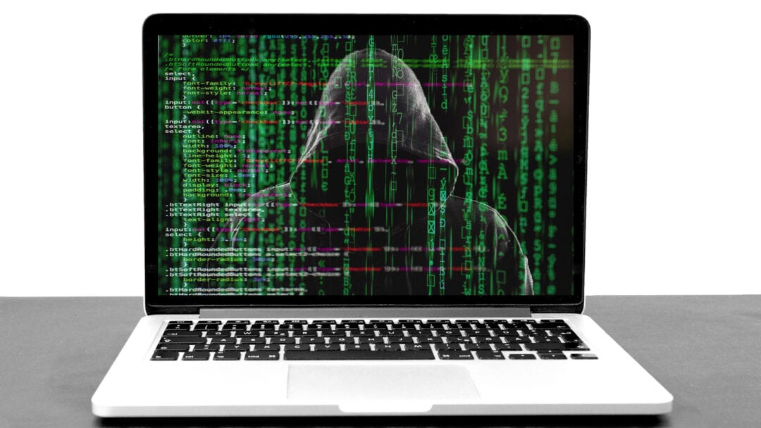 Travel Safety Hacker 5332676 1920